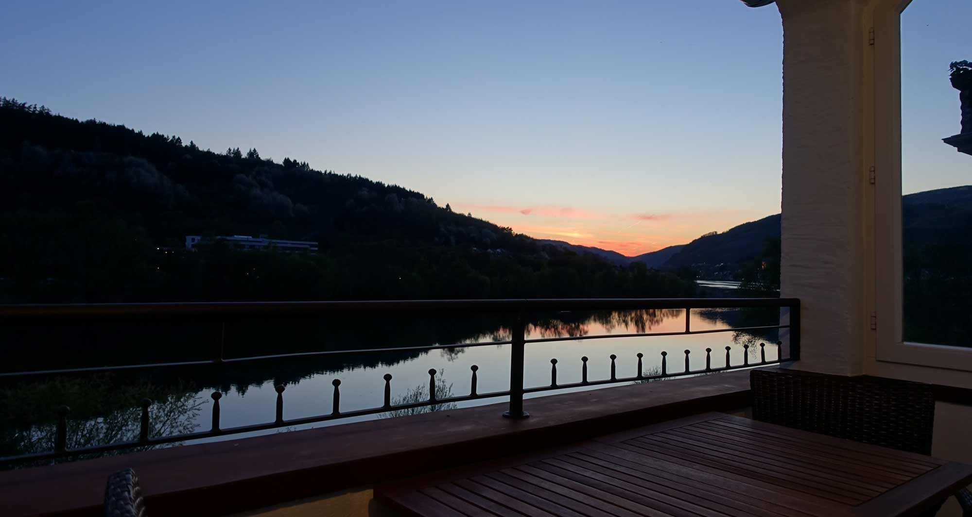 Sonnenuntergang am Ferienhaus