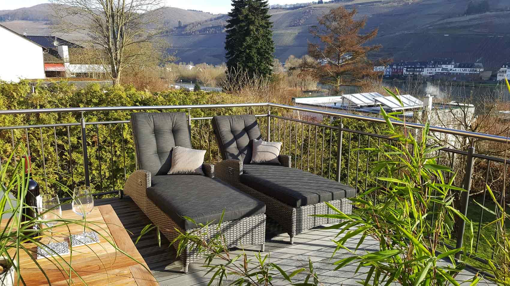 Neue Ferienwohnung an der Mosel mit Balkon und Sonnenliegen