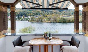Ferienwohnungen Inselblick mit Balkon und Moselblick